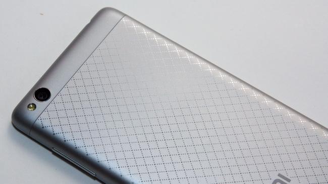 Xiaomi Redmi 3 - Back side 2