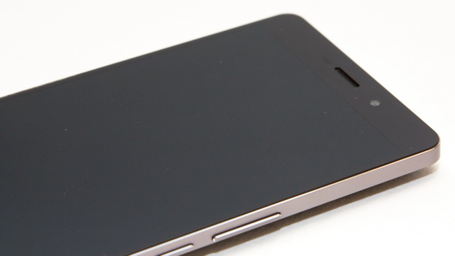Elephone P9000 - Face side up