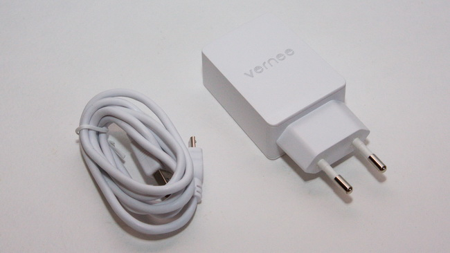 Vernee Thor Review - Accessories