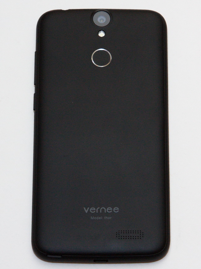 Vernee Thor Review - Back side