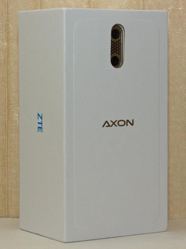 ZTE Axon Elite Review - Box