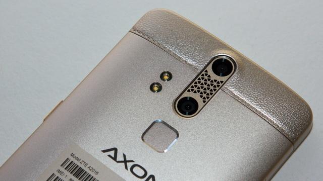 ZTE Axon Elite Review - Up back side