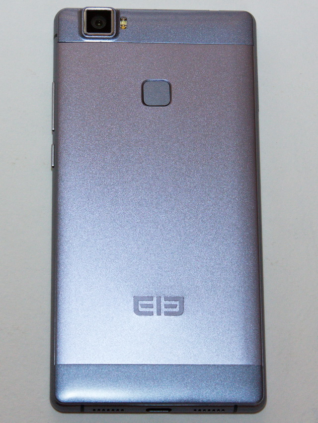 Elephone M3 Review - Back side
