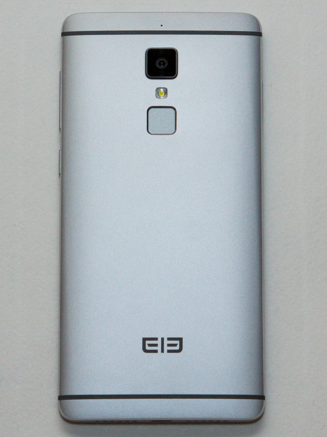 Elephone S3 Review - Back side