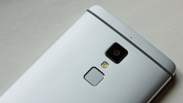 Elephone S3 Review - Up back side