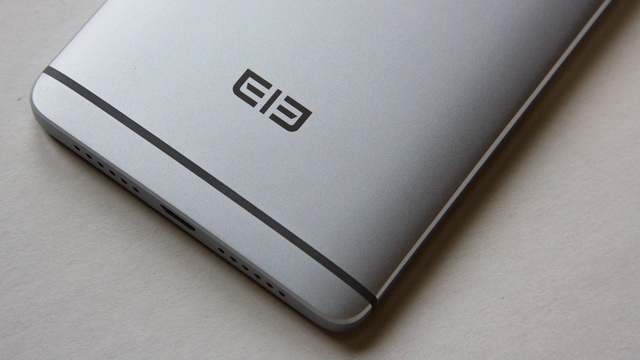Elephone S3 Review - Down back side