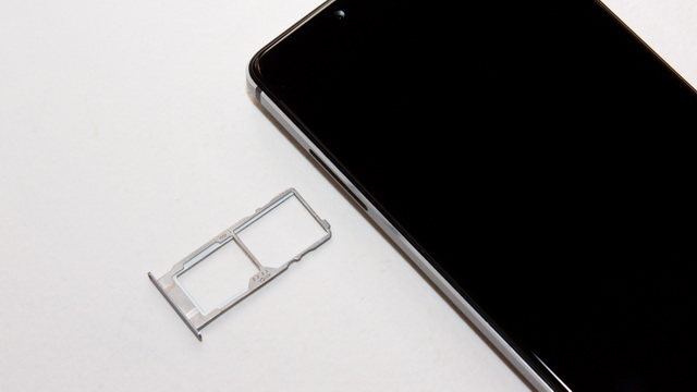 Elephone S3 Review - SIM slot