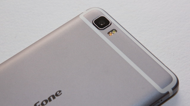 Ulefone Future Review - Up back