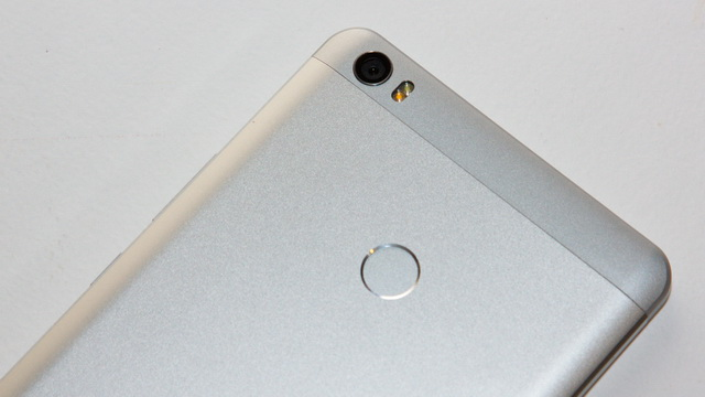 Xiaomi Mi Max Review - Up back side