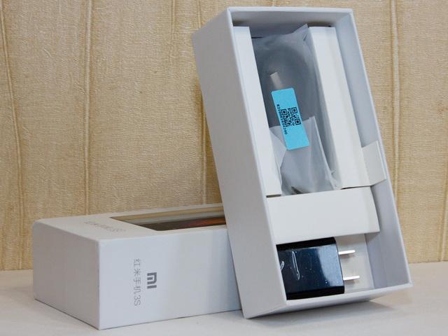 Xiaomi Redmi 3s Review - In box