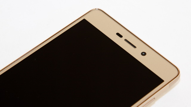 Xiaomi Redmi 3s Review - Up face side