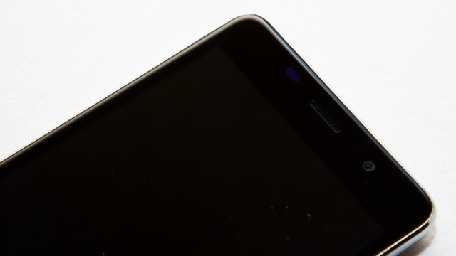 Leagoo M5 Review - Face up side