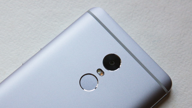 Xiaomi Redmi Note 4 Review - Up back